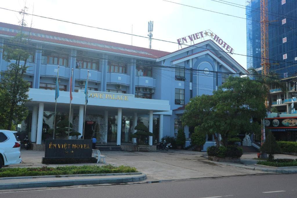 Khách Sạn 2 Sao Ở Trung Tâm